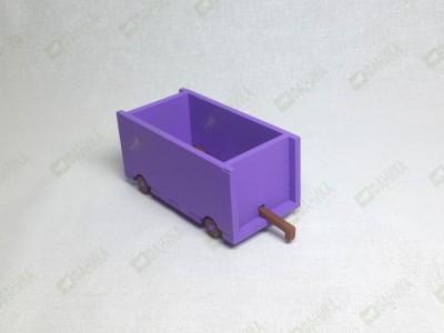 Вагончик грузовой сиреневого цвета