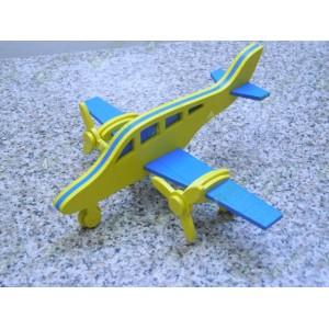 Самолет двухмоторный Вираж цветной