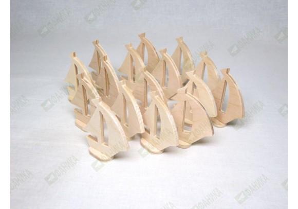 Кораблик фигурка