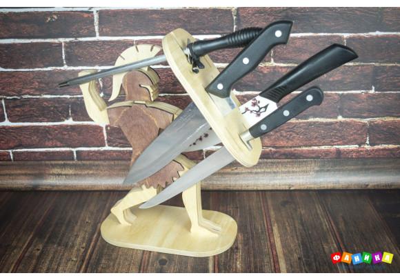 """Подставка для ножей """"Воин"""" покрытая лаком"""