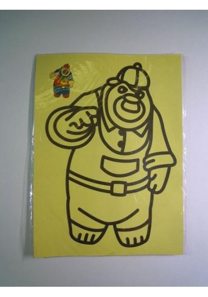 Рисунок песком Медведь в кепке